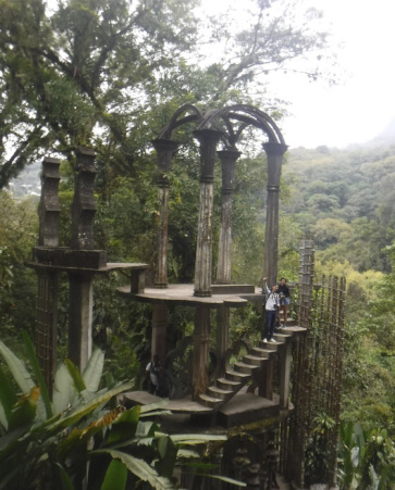 Jardín Surrealista y Sótano de las Huahuas