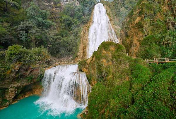 Cascasas del Chiflón y Lagunas de Montebello