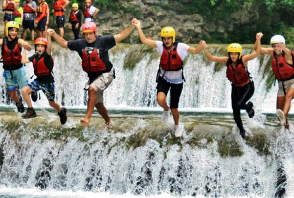 Salto en cascada en Micos