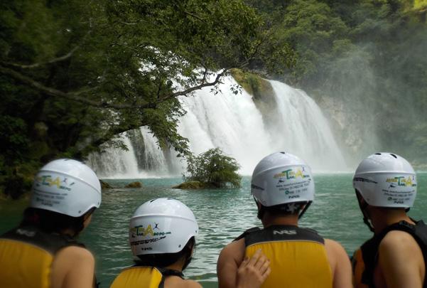 Salto De Cascadas En Río Micos – Rappel En Cascada De Minas Viejas